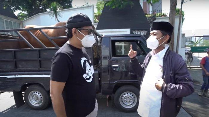 Andre Taulany beli sapi limosin untuk kurban di momen Idul Adha 2021.
