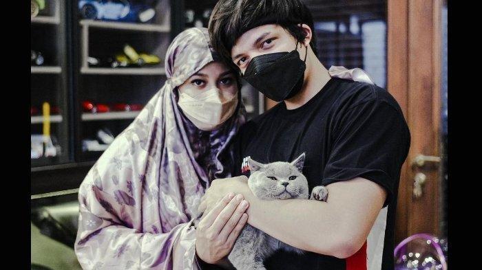 Aurel Hermansyah dan Atta Halilintar punya kucing baru.