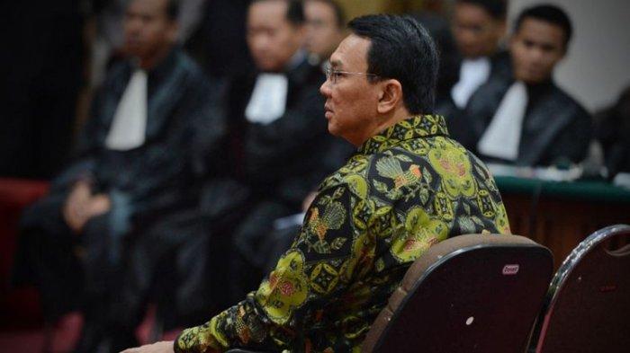 19 Batik yang Dipakai Ahok Saat Sidang Penistaan Agama Dilelang, Berikut Rincian Harganya