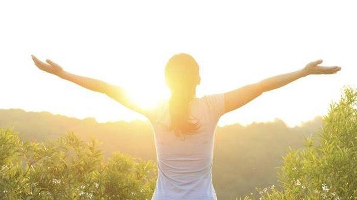 WAKTU TERBAIK Berjemur untuk Mendapatkan Vitamin D, Simak Manfaatnya, Konsumsi juga Deretan Buah Ini