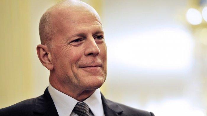 Bruce Willis Diusir Gegara ke Apotek Tak Pakai Masker, Begini Reaksi Suami Emma Heming Saat Ditegur