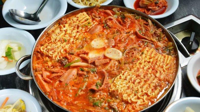 8 Sup Korea Selatan yang Sering Muncul di Drakor, Ada Makanan Berkuah yang Diciptakan Saat Perang