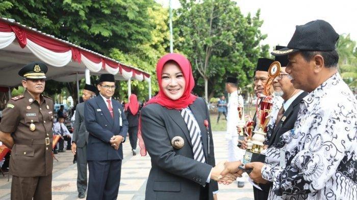 PROFIL Bupati Klaten Sri Mulyani, Viral karena Fotonya Ada di Hand Sanitizer Bantuan dari Kemensos