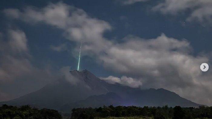 CERITA Fotografer Pemotret Foto Meteor di Gunung Merapi, Hanya 1 Detik Lalu Momennya Hilang