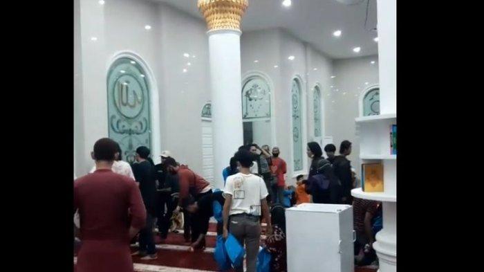 VIRAL Pendemo Ada di Masjid Universitas Jambi, Banyak yang Pingsan karena Gas Air Mata, Ini Faktanya