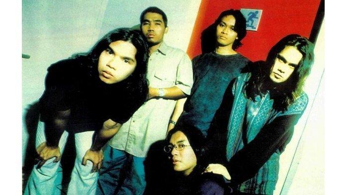 5 Chord Lagu Dewa 19 Paling Hits: Kangen, Separuh Nafasku, Risalah Hati - Pangeran Cinta