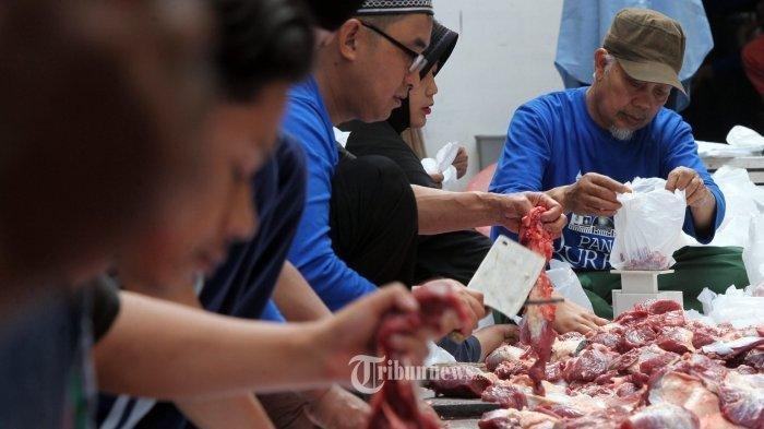 Tata Cara Menyembelih Hewan Kurban, Syarat, Rukun hingga Siapa yang Berhak Mendapatkan Daging Kurban