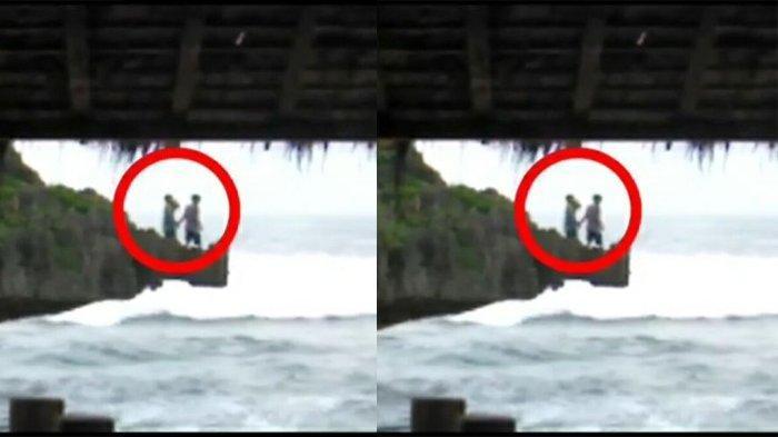 Dua Wisatawan Melompat saat Gelombang Tinggi di Pantai Ngandong, Gunungkidul Jumat (30/10/2020)