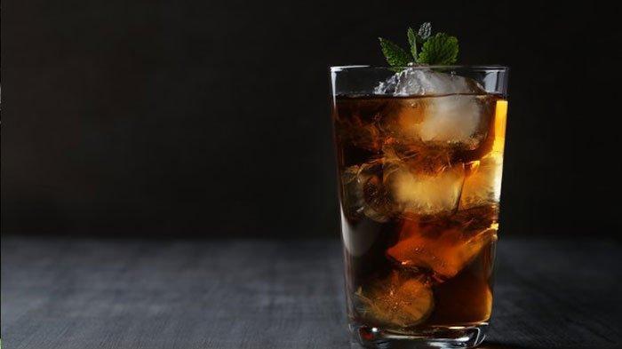 Meski Menyegarkan, Waspadai 5 Penyakit yang Mengintai akibat Terlalu Sering Minum Es Teh Manis