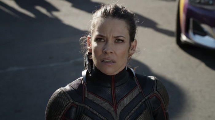 Bintang Marvel Evangelina Lilly Remehkan Corona, Tolak Isolasi Diri & Kirim Anak Camping, Dihujat!