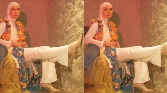 Percaya Diri Pajang Foto Keren Bergaya Bak Model, Zaskia Mecca Baru Sadar Kaos Kakinya Bolong