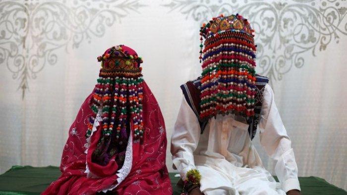 CIRI KHAS Unik 20 Gaun Pengantin dari Berbagai Negara, Perhiasan Ganjil hingga Bentuk yang Tak Lazim