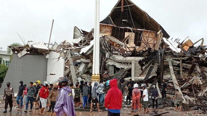 Dua Orang Korban Gempa Majene Sulbar Terjebak di Reruntuhan Gedung, Masih Bersuara dari Dalam