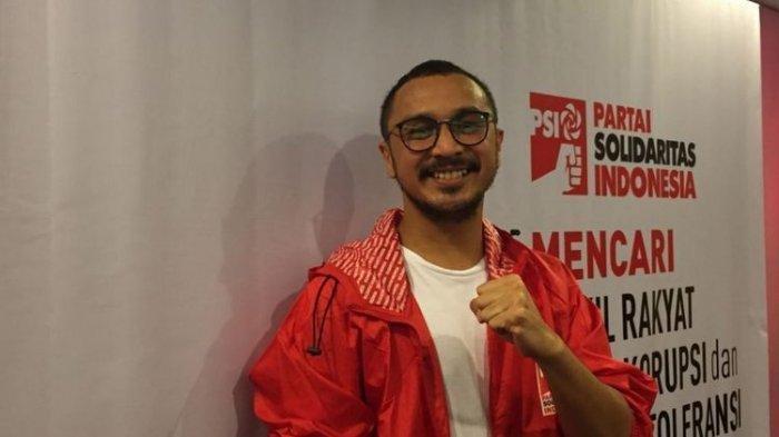 Giring Ganesha saat mendeklarasikan diri maju sebagai calon legislatif pada Pemilu Legislatif (Pileg) 2019 melalui Partai Solidaritas Indonesia (PSI) di Kantor DPP PSI, Jalan KH Wahid Hasyim, Tanah Abang, Jakarta Pusat, Rabu (6/9/2017).