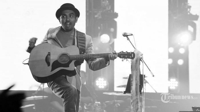 Kenang Setahun Kepergian Glenn Fredly, Simak Perjalanan Karier Penyanyi Berjuluk Dewa Lagu Cinta