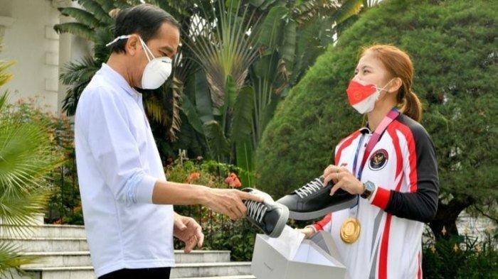'Saya Enggak Ngasih Pak', Cerita di Balik Greysia Polii Jual Sepatu ke Jokowi, Rencana Usai Pensiun