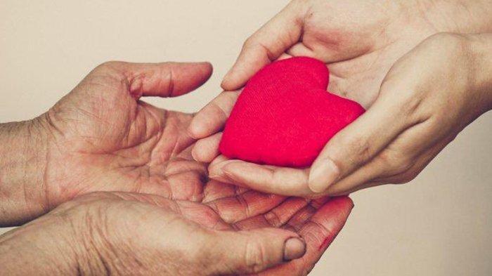 Banyak yang Tak Tahu, Ini 5 Keutamaan Bersedekah: Membuat Hati Bahagia hingga Dijauhkan dari Neraka