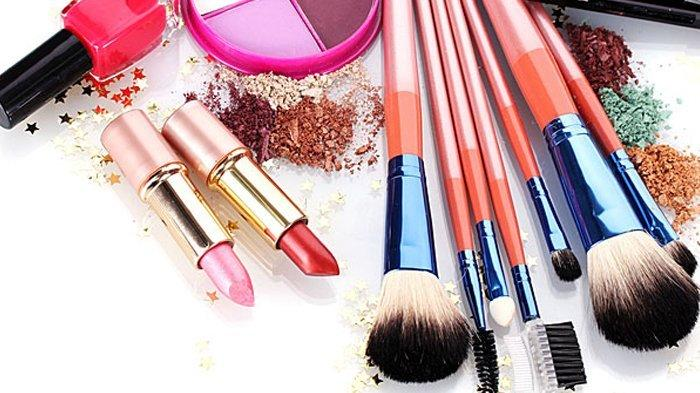 Pakai Makeup Waterproof & Softlens saat Wudhu, Apakah Wudhunya Sah? Simak Penjelasan Buya Yahya