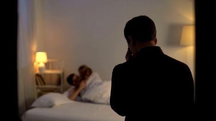NASIB Polisi Gerebek Vila, Pergoki Istri Ditiduri Satpam, Pilu Temukan Alat Kontrasepsi Bekas Pakai