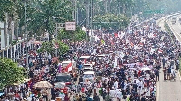 Ilustrasi demo tolak UU Cipta Kerja di Jakarta hari ini Selasa 13 Oktober 2020
