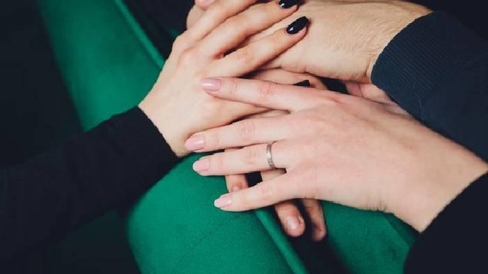 Dua Wanita Ingin Nikahi Pria yang Sama, Satu Desa Sampai Geger, Pemenang Ditentukan dengan Cara Ini