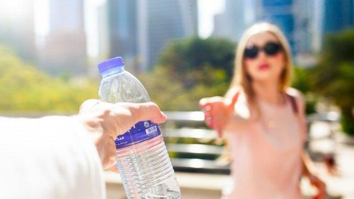 Panen Pahala, Ini 4 Keutamaan Bersedekah Air Minum untuk Orang Lain, Termasuk Dapat Ampunan Allah