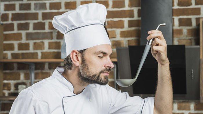 Apakah Mencicipi Masakan Sendiri Bisa Membatalkan Puasa? Simak Cara dan Hukum yang Mengaturnya
