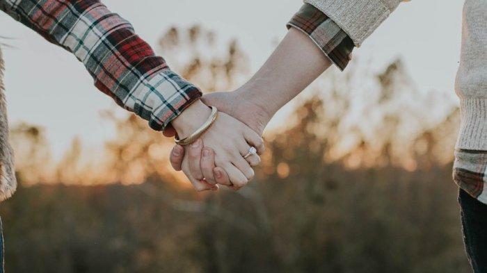 Mau Ketemu Orangtua Pacar untuk Pertama Kali? Lakukan 6 Tips Ini Agar Kamu Diterima di Keluarganya
