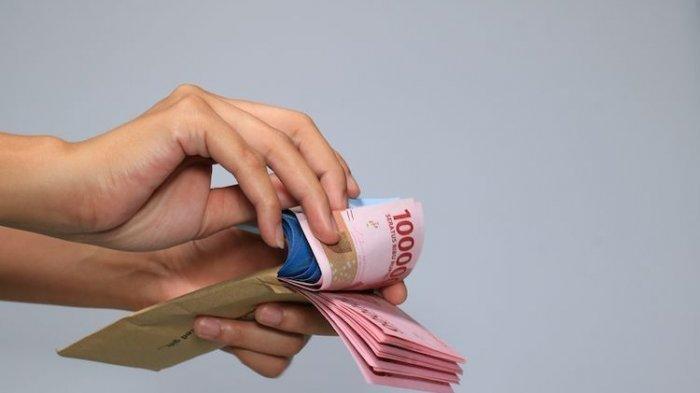 Cek Penerima Bansos Tunai Rp 300 Ribu di cekbansos.kemensos.go.id, Bawa KTP hingga KK saat Pencairan