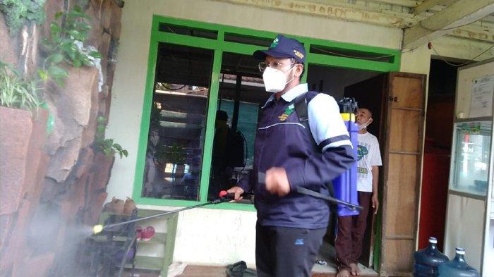KKN Online Ala Mahasiswa UIN Semarang, Ajak Warga Taati Prokes hingga Penyemprotan Disinfektan