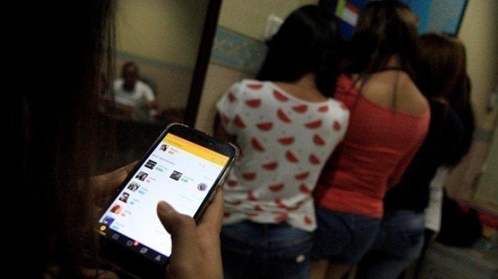 BREAKING NEWS Baru Saja Polisi Gerebek 12 Cowok & 4 Cewek ABG Ngamar di Hotel Makassar, Prostitusi?