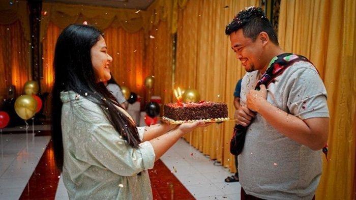 Kahiyang Ayu rayakan ulang tahun sang suami, Bobby Nasution.