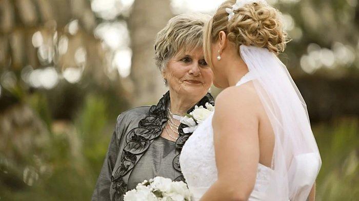 Ilustrasi pengantin wanita dan ibu mertua