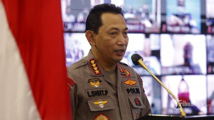Kapolri Jenderal Pol Listyo Sigit Prabowo memberikan sambutan saat menghadiri peluncuran aplikasi Propam Presisi di Mabes Polri, Jakarta, Selasa (13/4/2021). Aplikasi Propam Presisi tersebut diciptakan oleh Divisi Profesi dan Pengamanan (Divpropam) Polri sebagai sarana pengaduan terkait oknum polisi maupun PNS di kesatuan Polri agar bisa melapor lebih cepat, mudah, transparan, akuntabel, dan informatif. Tribunnews/Irwan Rismawan
