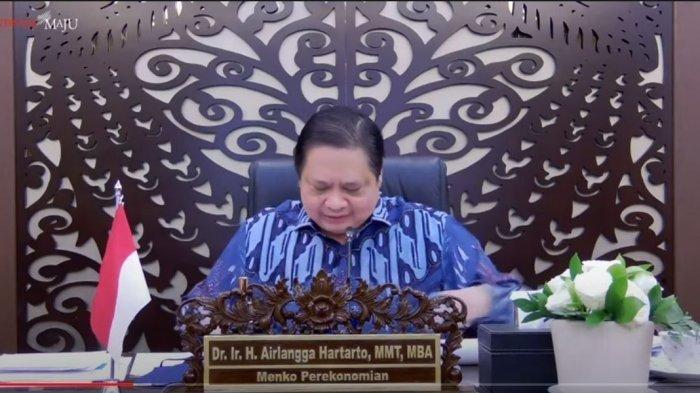 Ketua Komite Penanganan Covid-19 dan Pemulihan Ekonomi Nasional (KPC-PEN) Airlangga Hartarto pada Konferensi Persnya terkait PPKM Mikro, Senin (21/6/2021).
