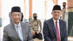 Menkopolhukam membagikan pertemuannya dengan Gatot Nurmantyo di sebuah acara resepsi pernikahan di Masjid UGM, Yogyakarta. (Sumber: Twitter Mahfud MD)