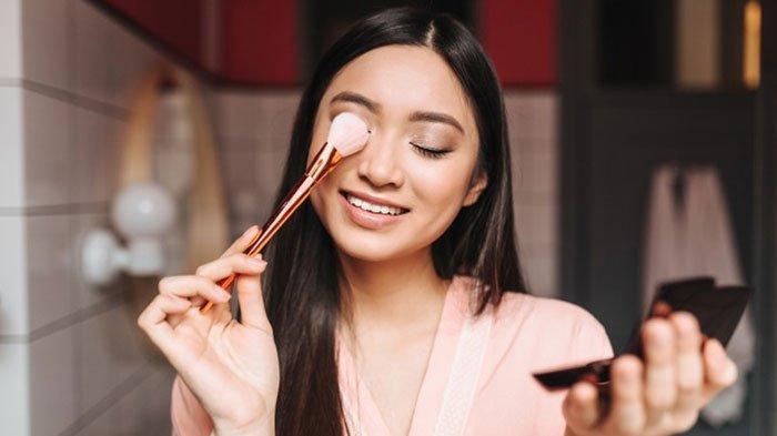 Tampil Segar meski Puasa, Nyla Soetardi Beri Trik Makeup Fresh Look dan Masker Proof, Simak Caranya