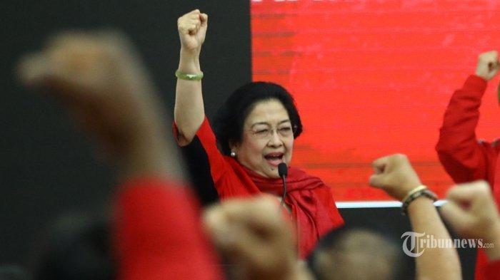 Bendera PDIP Dibakar Massa, Megawati Minta Kader Rapatkan Barisan, PA 212: Silakan Ambil Jalur Hukum
