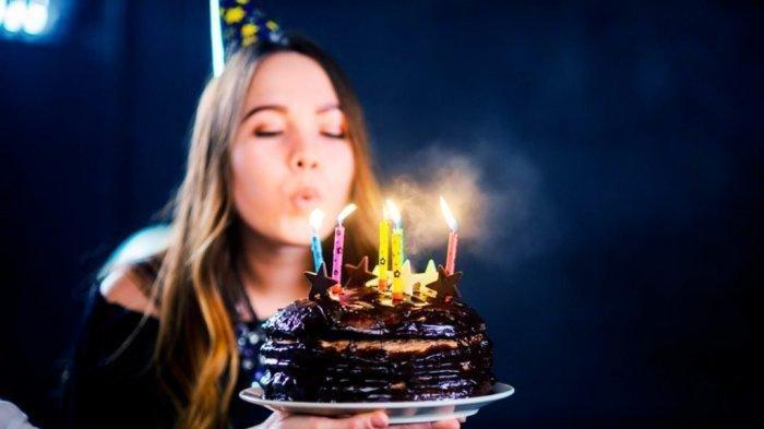 Bagaimana Hukumnya Memberi Ucapan Selamat Ulang Tahun? Simak Penjelasan Ustaz Adi Hidayat