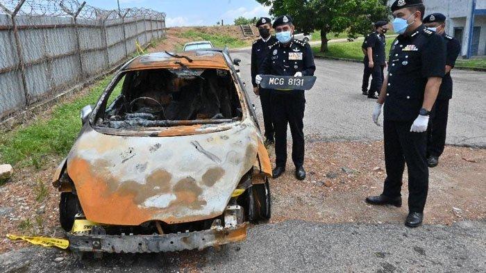 Mobil Ford Fiesta yang sudah hangus terbakar