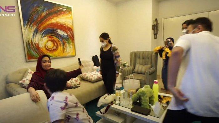 Nagita Slavina dan Raffi Ahmad bersama Rieta Amilia dan Rafathar