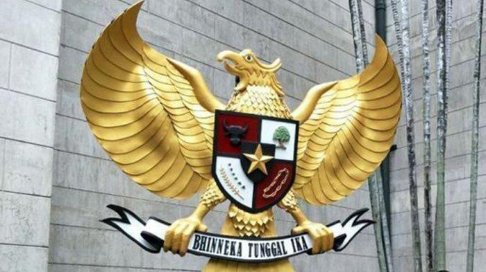 SOAL & KUNCI JAWABAN Latihan UAS Pkn Kelas 10 SMA, Konstitusi Apa yang Dipakai Indonesia Tahun 1945?