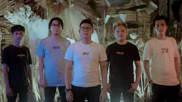 KOCAK! Pamer Foto Lawas Jadi Anak Band, Gaya Andika Mahesa Disorot, Aldi Taher: Boxernya Kurang Naik
