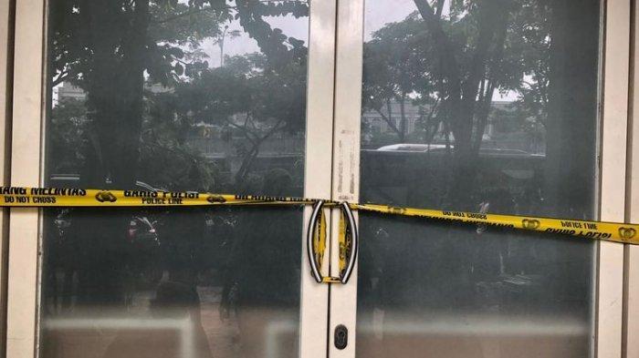 Polda Metro Jaya membongkar pinjol ilegal di Ruko Crown Blok C1-C7, Green Lake City, Tangerang, pada Kamis (14/10/2021).