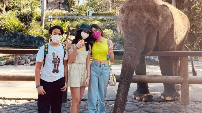 Potret liburan keluarga Cut Tari dan Richard Kevin di Bali