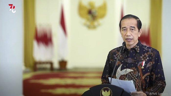 Presiden Joko Widodo mengumumkan PPKM Level 4 diperpanjang mulai 3-9 Agustus 2021