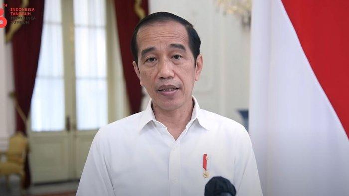 Presiden Jokowi saat beberkan evaluasi dampak PPKM Level 4, Minggu (15/8/2021)