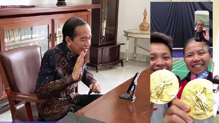 Jokowi Selamati Greysia & Apriyani Atas Medali Emas Olimpiade Tokyo 2020, 'Ikut Deg-degan di Set 1'