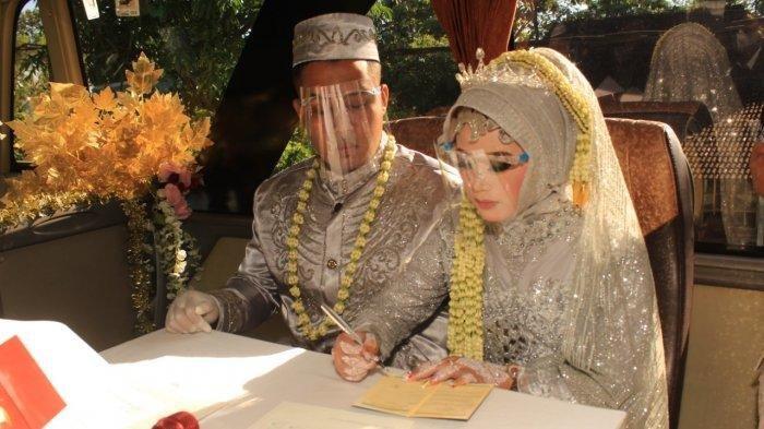 Resepsi Batal, Pernikahan Pengantin Ini Malah Jadi Unik, Akad dan Prosesi di Dalam Bus yang Melaju