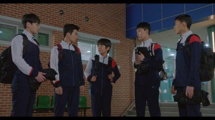 Adegan Racket Boys yang Dianggap Rendahkan Indonesia: Penonton Ejek Se Yoon & Sebut Penginapan Buruk